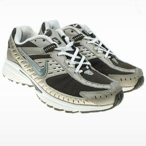 Nike Dart IV Athletic Running Shoes
